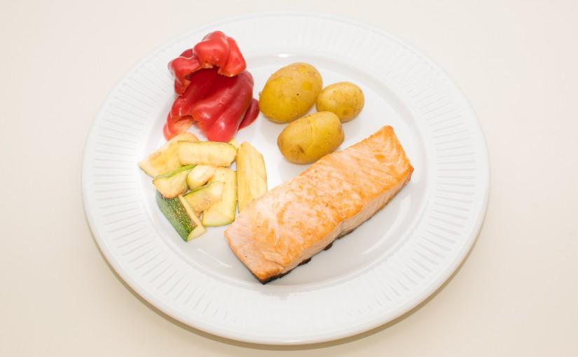 Lyn-aftensmad: Grillet laks med lynstegt citron-squash