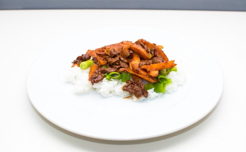 Spicy thairet med oksestrimler